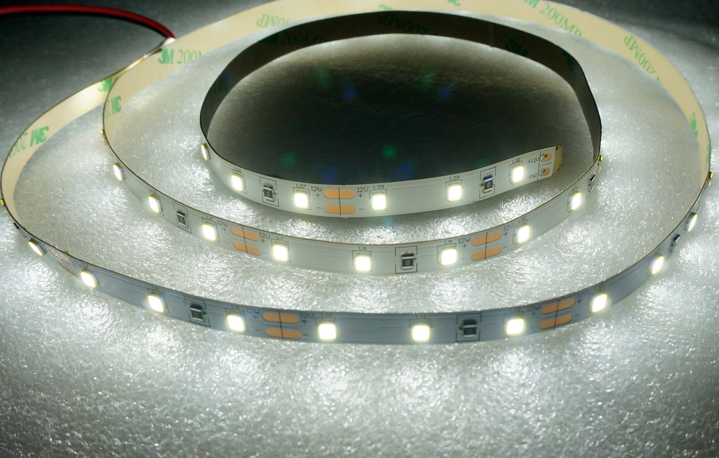 SMD2835-60leds 4.8W/m cool white IP20 LED flexible strip light