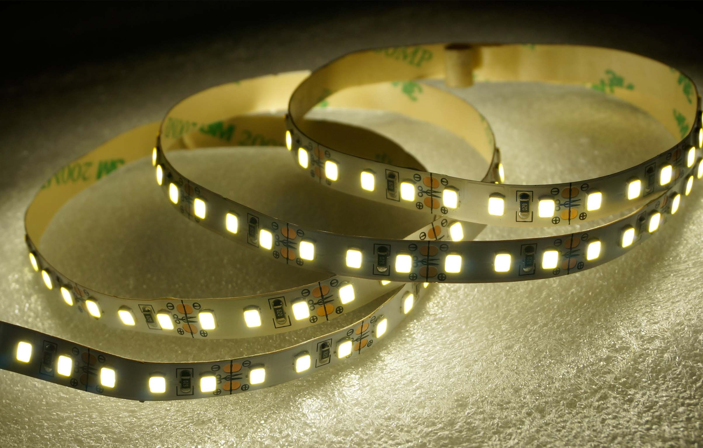 SMD2835-120leds 7W/m day white IP20 LED flexible strip light